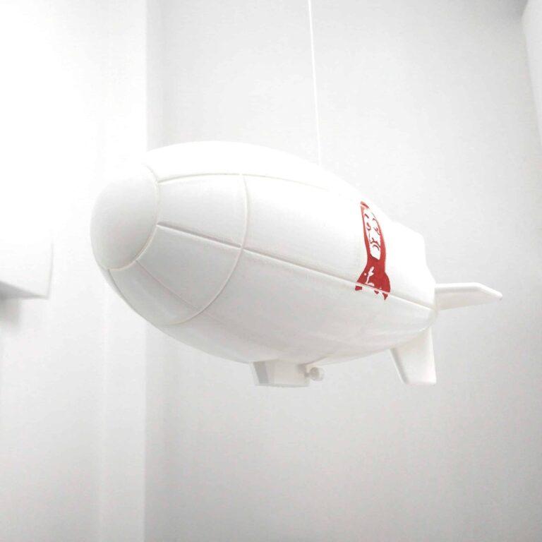 Zoom on the Casa de Papel dirigible