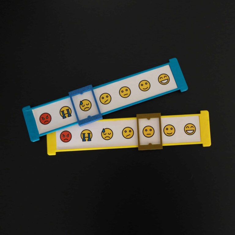 2 children feelings assessment in yellow and blue